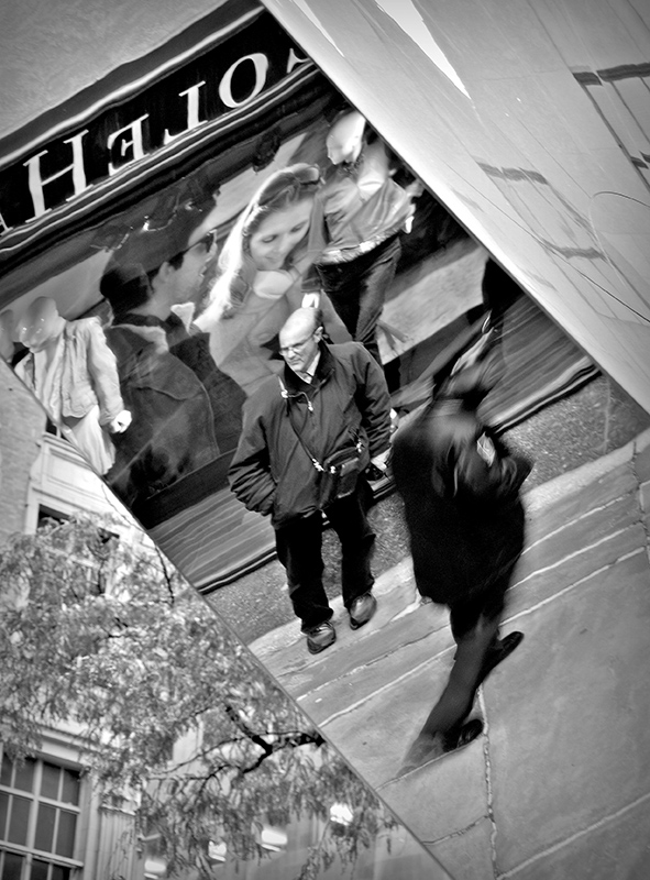 Várakozás tükörben (2012)